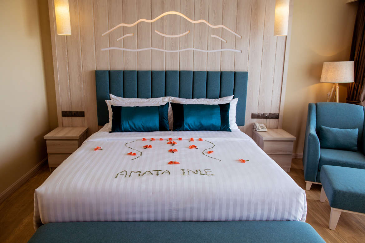 /images/room/amata-inle-resort-royal-deluxe-room7.jpg