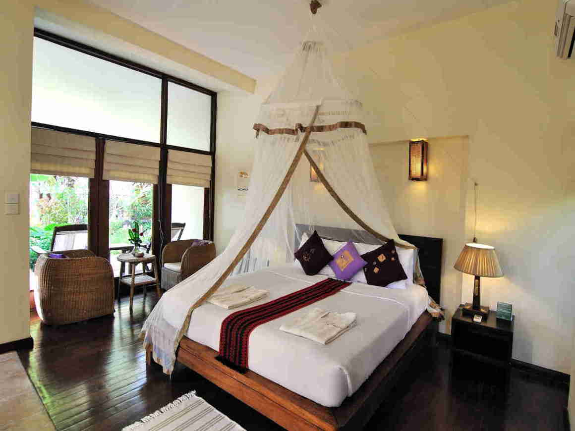 /images/room/amata-ngapali-resort-superior-room3.jpg